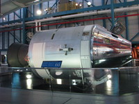 Close-up of Command/Service Module; note the orthogonally arranged RCS thrusters.